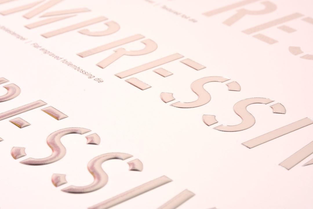 """<H2 STYLE=""""font-size: 30px; color: #FFFFFF;"""">preeg & folie</H2>"""